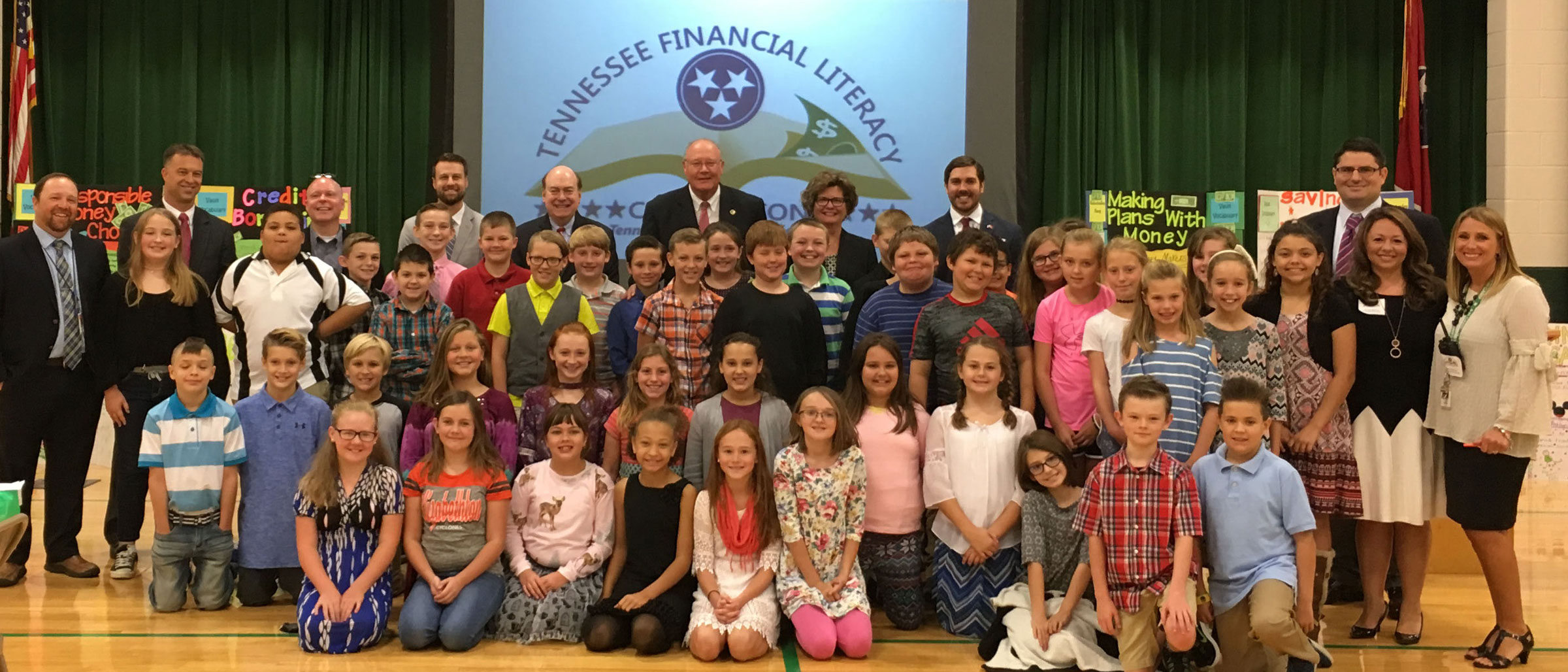 Treasurer Lillard with students and staff of Elizabethtown Elementary in Tennessee during financial education event
